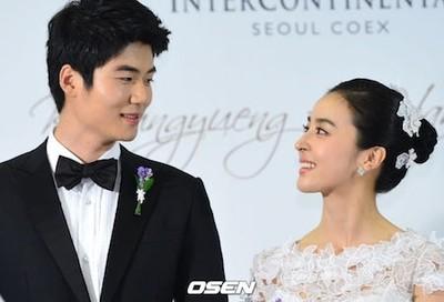元韓国代表キ・ソンヨン、妻の女優ハン・へジンと離れスペインへ「現地コロナ韓国より深刻」(WoW!Korea)