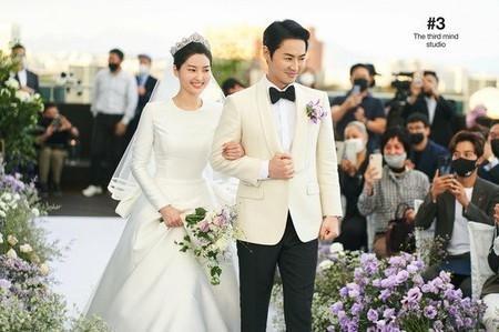 チョンジン(SHINHWA)、幸せあふれる結婚式のようすを公開(WoW!Korea)