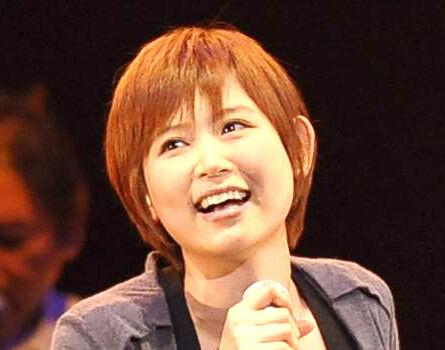 絢香、夫・水嶋ヒロ&娘からの花束に幸せ笑顔「CDジャケットになりそう」(スポーツ報知)